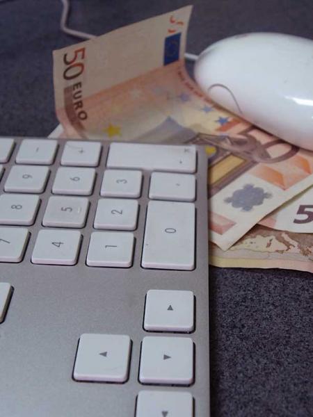 dinero-ordenador.jpg