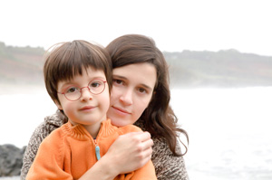madre soltera con su hijo