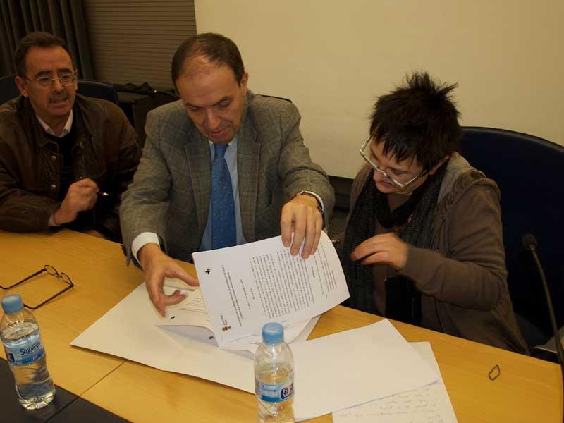 Firma del convenio de colaboración entre la Universidad de León y la F.F.M. isadora Duncan
