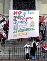pancarta defensa menores