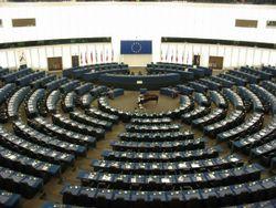 Foto del parlamento europeo vacio.