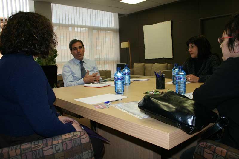 Representantes de Isadora Duncan se reúnen con el viceportavoz del Grupo popular en las Cortes de Castilla y León