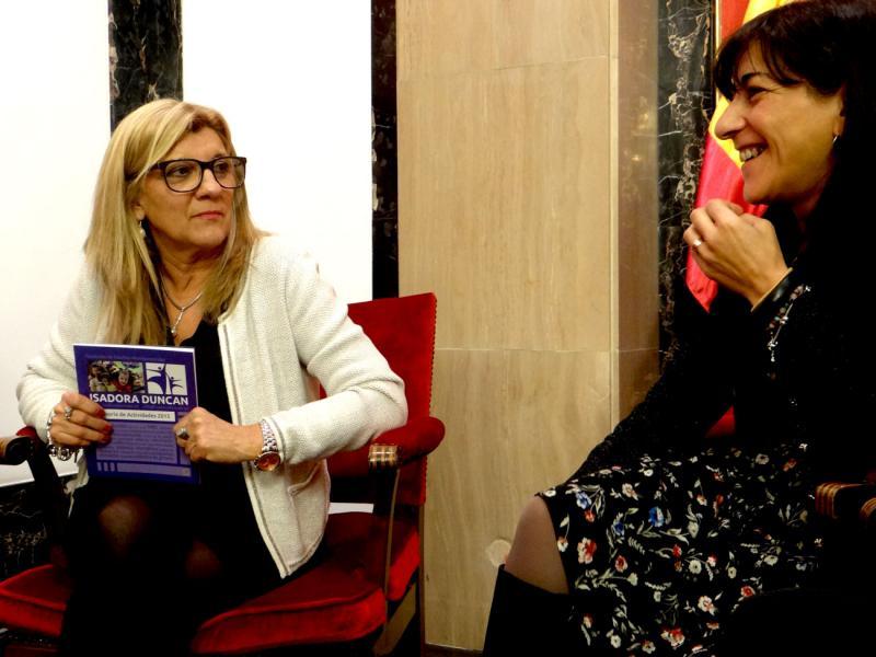 Reunión de Isadora Duncan con el grupo en el congreso del PP